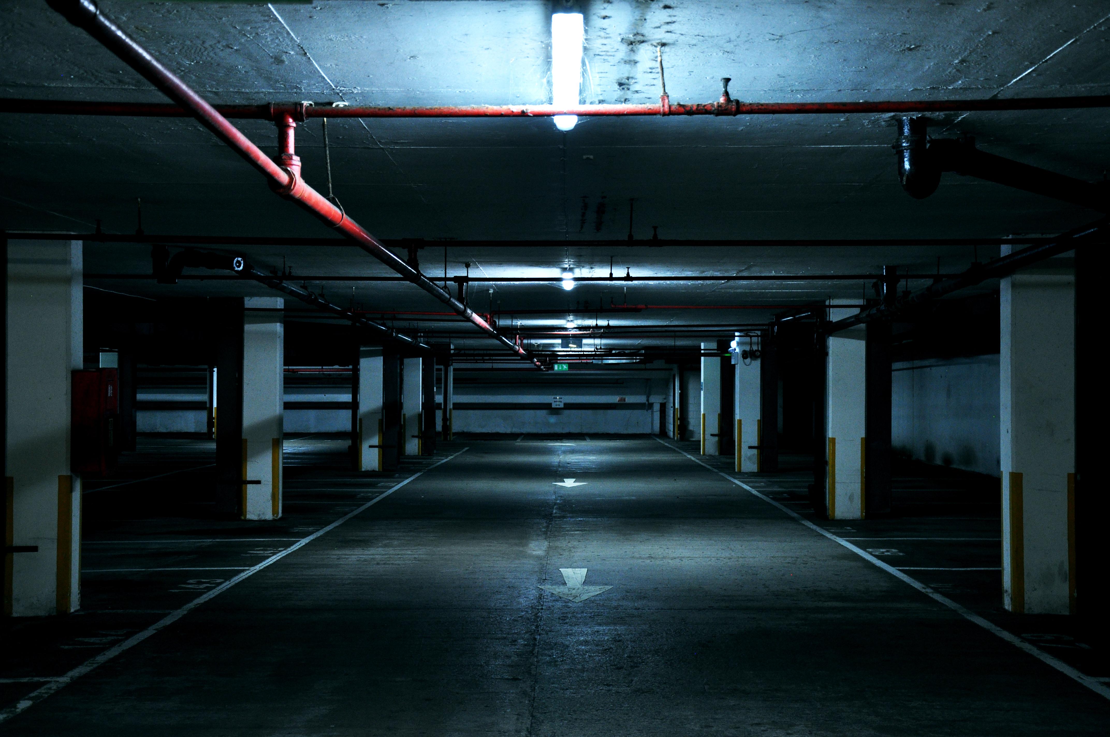photo source https://unsplash.com/search/parking-garage?photo=1JcEl81di6Y